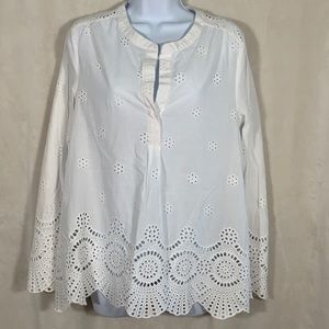 Dolce Cabo eyelet long sleeve top. Size Small